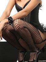 Jenna Haze lifts up her skirt to flash her snatch