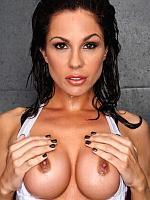Kirsten Price stimulating soaked pussy