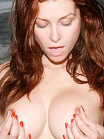 Heather Vandeven strips off her sexy maroon bikini