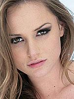 Tori Black pussy gets licked by Kagney Linn Karter