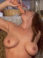 Keisha huge tits pornstar toying her pussy