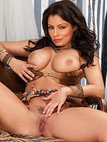 Aria Giovanni shows off her curves