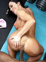 Cherokee fucking black cock in the gym