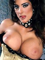 Rocki Roads busty pornstar showing her sexy curves