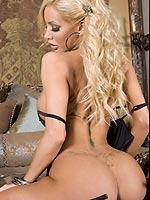 Lexxi Tyler sexily takes off her black lingerie