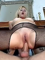 Crystal Ray horny mommy deep anal fucked & jizzed
