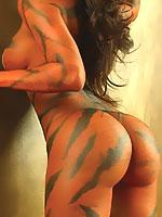 Vida Guerra posing her sexy painted nude body