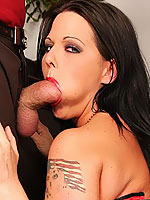 Simony Diamond gets a cock up her ass