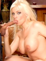 Britney Amber gets fucked and jizzed on