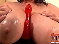 Huge boobed girl Marille using a dildo