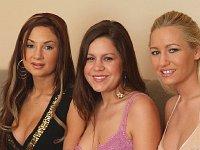 Strapon lesbian threesome sex