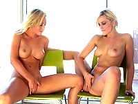 Alexis Texas plays with Kaydens